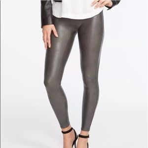 SPANX®  READY-TO-WOW! FAUX LEATHER LEGGINGS - XS